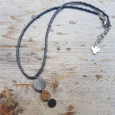 Leather Dots grijs bruin ketting